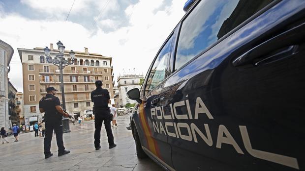 Imagen de archivo de agentes de la Policía Nacional en Valencia