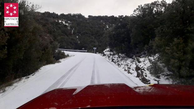 Imagen de la carretera de acceso a Vallibona este jueves