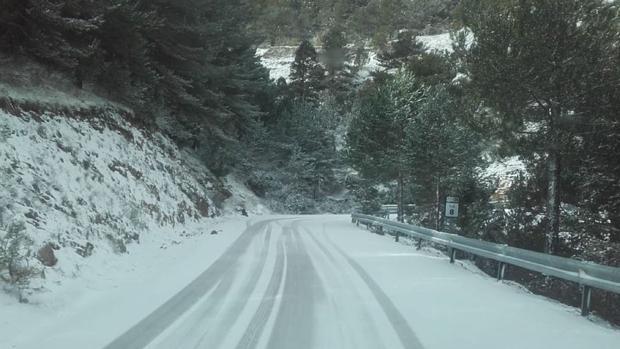 Carreteras llenas de nieve en la provincia de Castellón