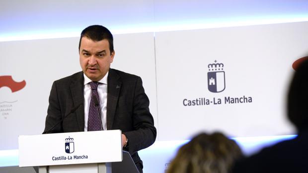 El consejero Francisco Martínez Arroyo, en rueda de prensa