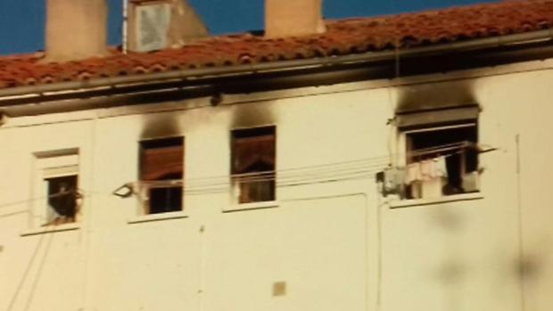 Imágenes de la vivienda donde tuvo lugar el incendio de Albacete