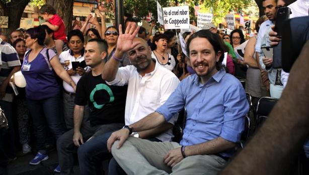 David Llorente y José García Molina con Pablo Iglesias en un acto de Podemos en Toledo en 2015