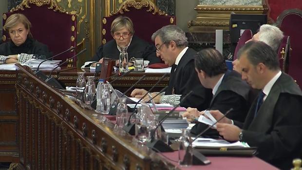 Los fiscales Javier Zaragoza y Fidel Cadena en el juicio contra los líderes del «procés»