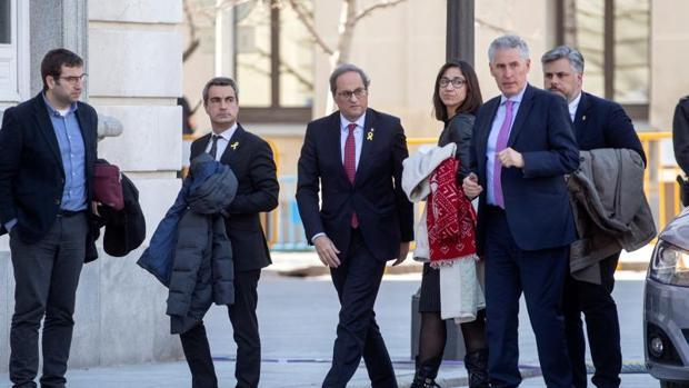 Torra a su regreso al Tribunal Supremo tras el receso para comer de la primera sesión del juicio del «procés»