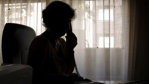 Seis de cada diez personas que llaman al Teléfono de la Esperanza de Aragón son mujeres