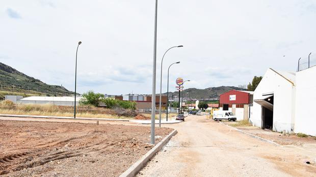 Obras de urbanización en la Cañada Real de Puertollano, en el polígono industrial Escaparate