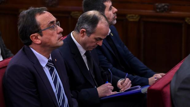Josep Rull y Jordi Turull durante la primera jornada del juicio al «procés»