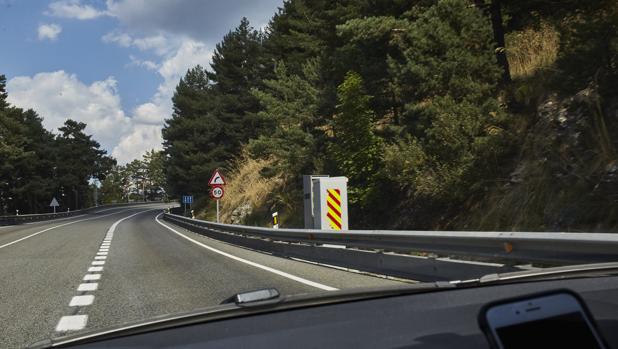 Radar de la DGT en una carretera