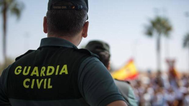 Un Guardia Civil de espaldas, en una imagen de archivo
