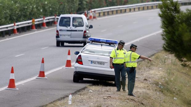 Imagen de archivo de unos agentes de la Guardia Civil en Castellón