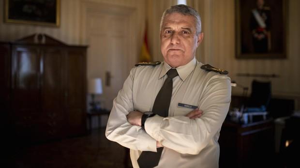 El jefe del Ejército de Tierra, en su despacho del Palacio de Buenavista