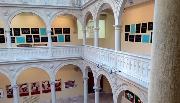 La exposición ocupa las plantas baja y primera del espacio cultural La Asunción