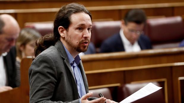 El líder de Podemos, Pablo Iglesias, durante su intervención en la sesión de control al Gobierno