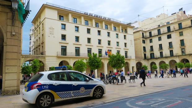 Imagen de la Audiencia de Alicante, donde se juzgarán los hechos