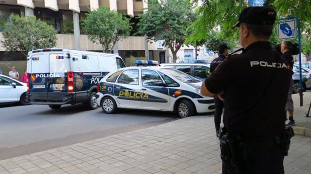 Efectivos de la Policía Nacional en una intervención