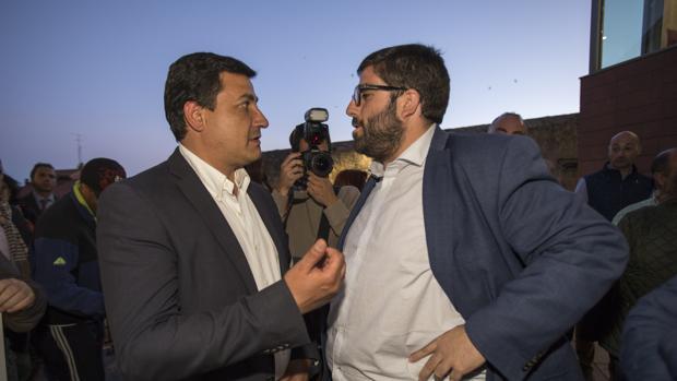 El presidente del PP de Ávila, Carlos García González, junto a Sánchez Cabrera en una imagen de archivo