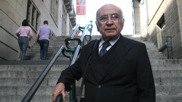 El poeta Francisco Brines, miembro de la Real Academia de la Lengua, uno de los integrantes de la plataforma «El reto es sumar»