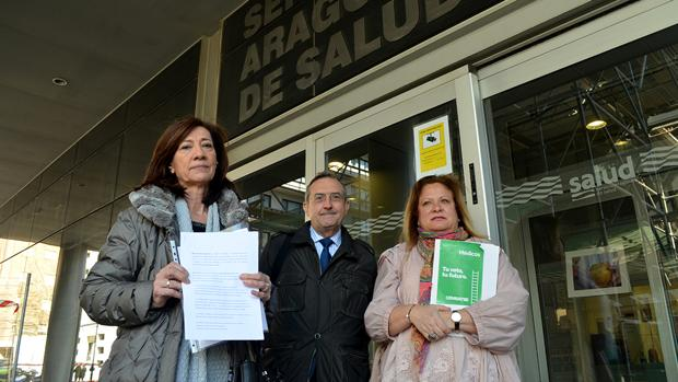 Los responsables de las organizaciones convocantes, tras comunicar su convocatoria de huelga ante el Servicio Aragonés de Salud