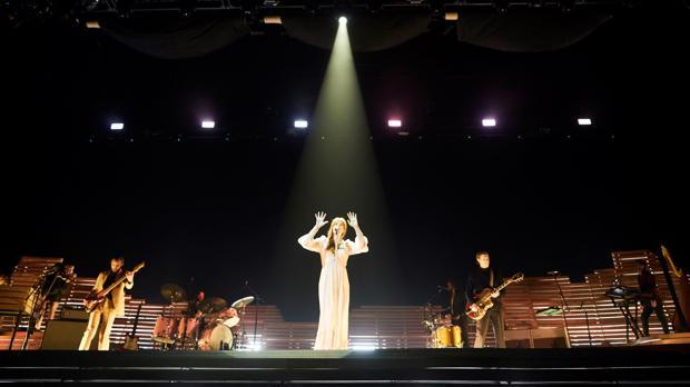 Florence Welch, durante su actuación de anoche en Barcelona