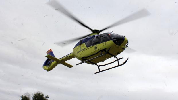 Un helicóptero sanitario ha trasladado al herido