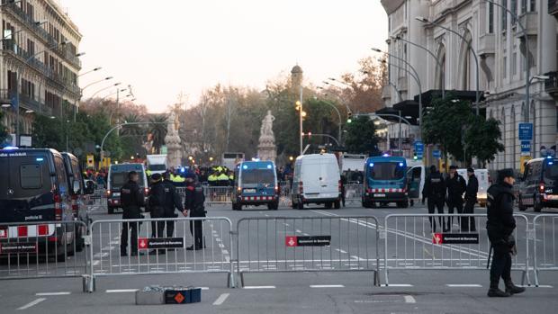 Dispositivo policial ante el Consejo de Ministros que los CDR intentaron sabotear el 21 de diciembre de 2018