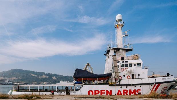 Open Arms ha recibido la autorización para zarpar del Puerto de Barcelona