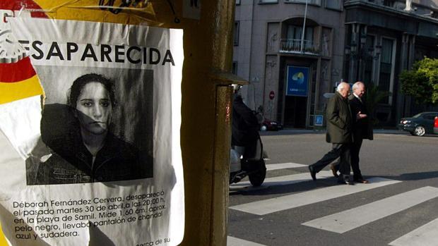 Un cartel en una calle de Vigo pocos días después de la desaparición de la joven