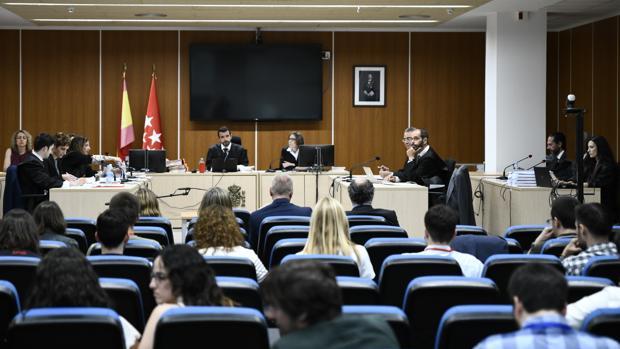 El juez rechaza sacar al PP del juicio por la destrucción de los ordenadores de Bárcenas