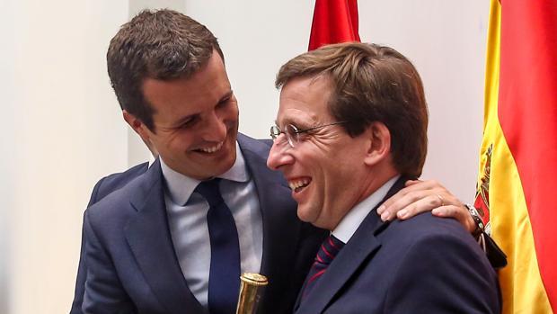 El centro-derecha recupera poder frente a Sánchez con los pactos de PP, Cs y Vox
