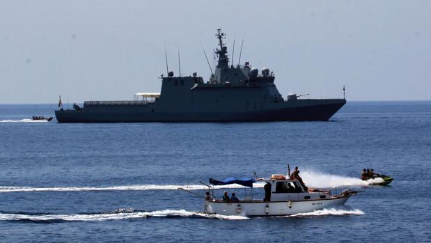 El alcalde de Lampedusa, a ABC: «Aquí no sabemos absolutamente nada del buque Audaz»