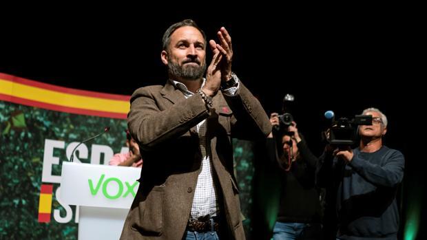 Vox urge a Sánchez a aplicar el estado de excepción en Cataluña