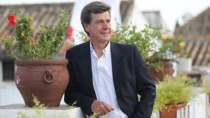 Cayetano Martínez de Irujo volverá a pasar por quirófano la próxima semana