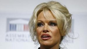 Pamela Anderson en pie de guerra contra el fuagrás