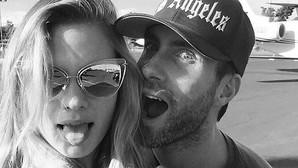 Adam Levine confirma el embarazo de su mujer