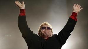 Elton John, con 33,6 millones, el famoso más generoso