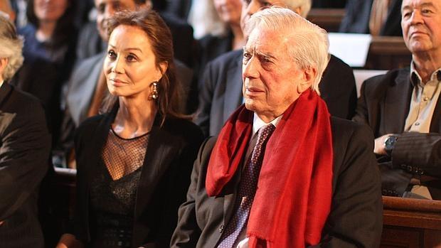Isabel Preysler y Mario Vargas Llosa, el pasado mes de abril en La Sorbona
