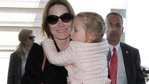 La madre de Carla Bruni desvela la identidad de su padre biológico