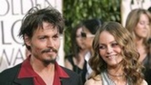 Las ex de Johnny Depp niegan que el actor sea violento