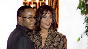 Bobby Brown afirma haber pegado a Whitney Houston una vez