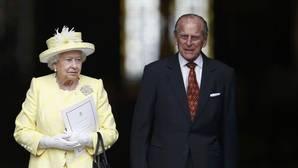 Dos mil invitados agradecen en una misa la «fiel devoción» de Isabel II a su país