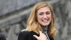 La novia de Hollande cuesta 400.000 euros a los contribuyentes franceses
