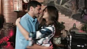 Iker Casillas capea el temporal sacando a bailar a Sara Carbonero