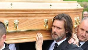 Jim Carrey: «Mi vida privada debería ser entregada a los medios como cupones de descuento»