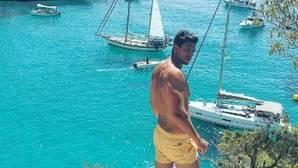 Diego Matamoros disfruta de unos días de playa junto a su pareja