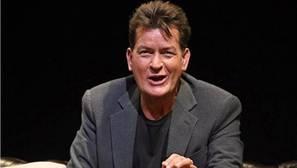 Charlie Sheen invita a otros famosos a anunciar si son seropositivos
