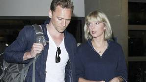 Taylor Swift, insegura, rompe su relación con Tom Hiddleston