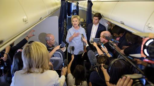 Hillary Clinton en su avión