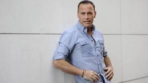 Carlos Lozano, hospitalizado de urgencia