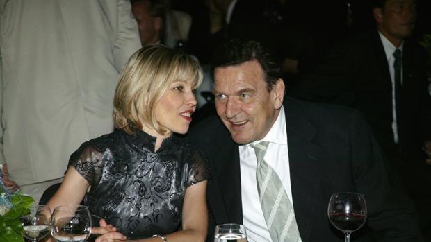 El ex canciller alemán Gerhard Schröder afronta su cuarto divorcio