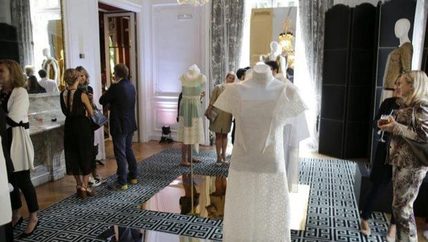 Miguel Marinero presenta su primera colección textil